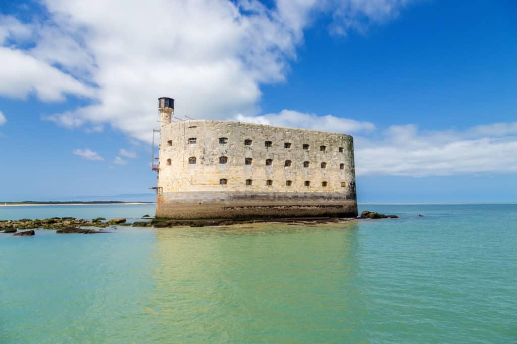 Visite de Fort Boyard en bateau depuis les iles Oléron et Aix